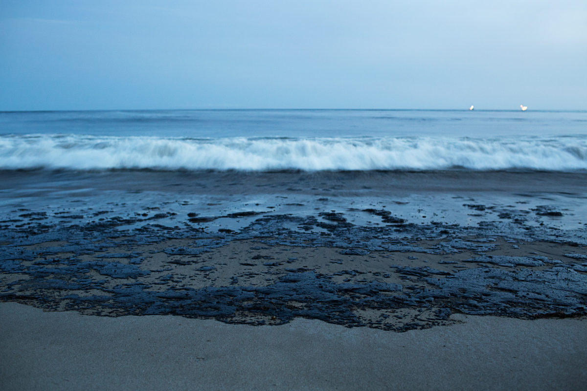Refugio Oil Spill, May 20,2015. Photo by Erin Feinblatt.